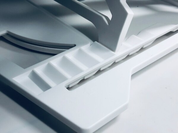giá kê laptop kèm điện thoại đa năng