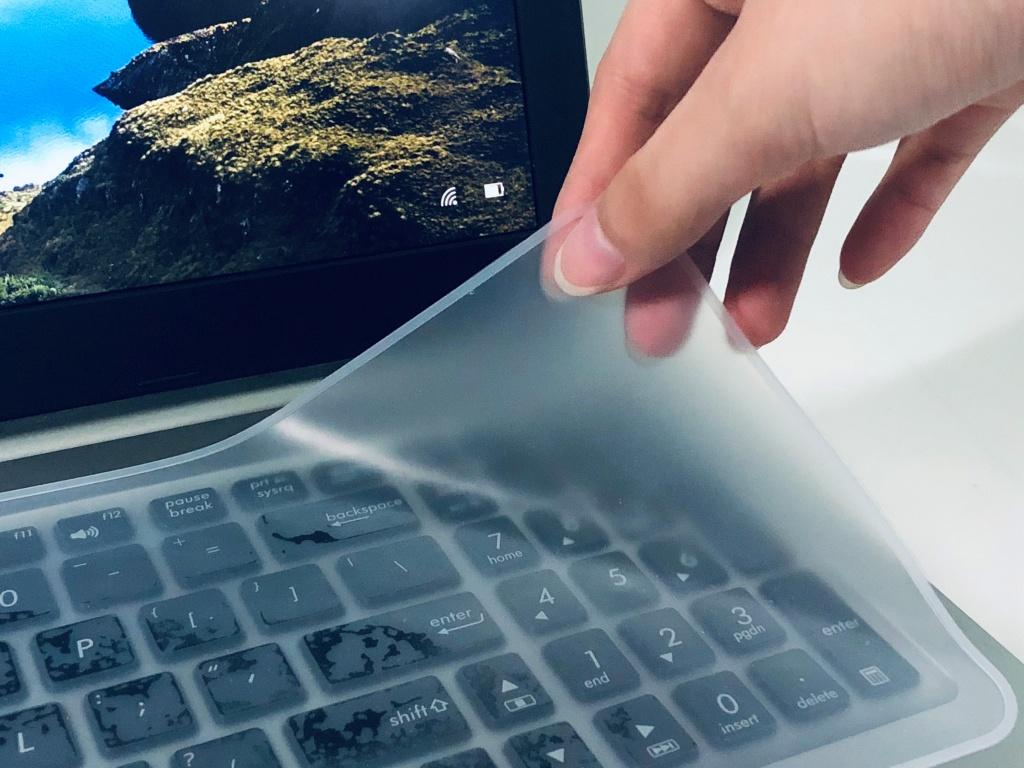 miếng phủ bàn phím laptop tiện dụng