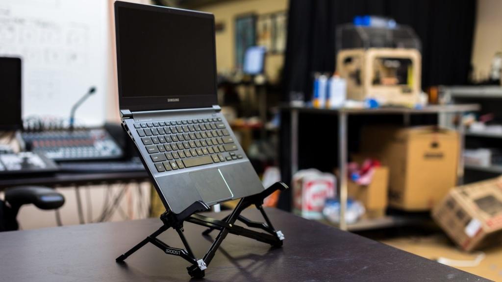 bán giá đỡ laptop