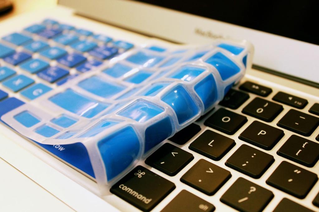 miếng phủ bàn phím laptop