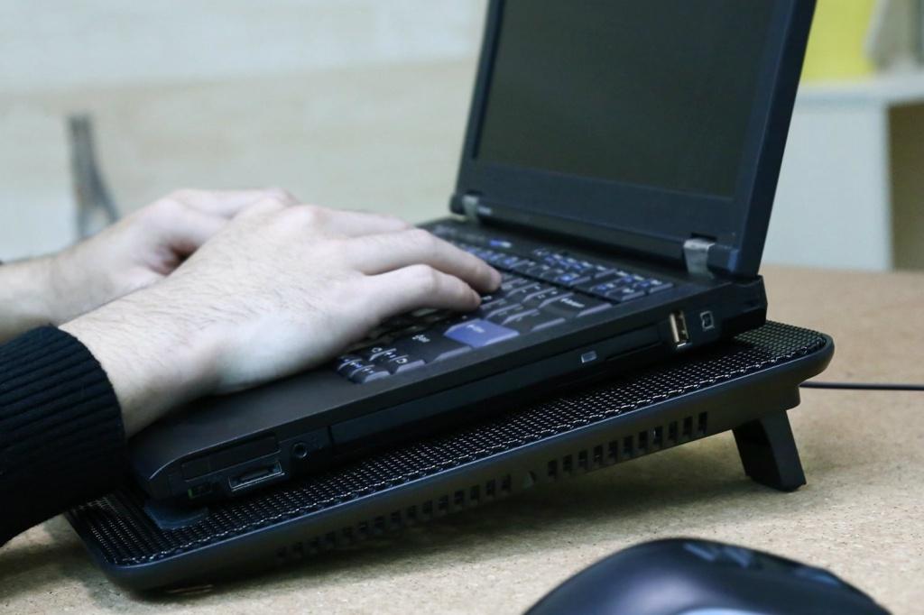 đế tản nhiệt cho laptop