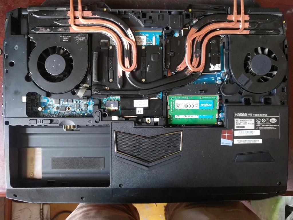 tản nhiệt nước cho laptop