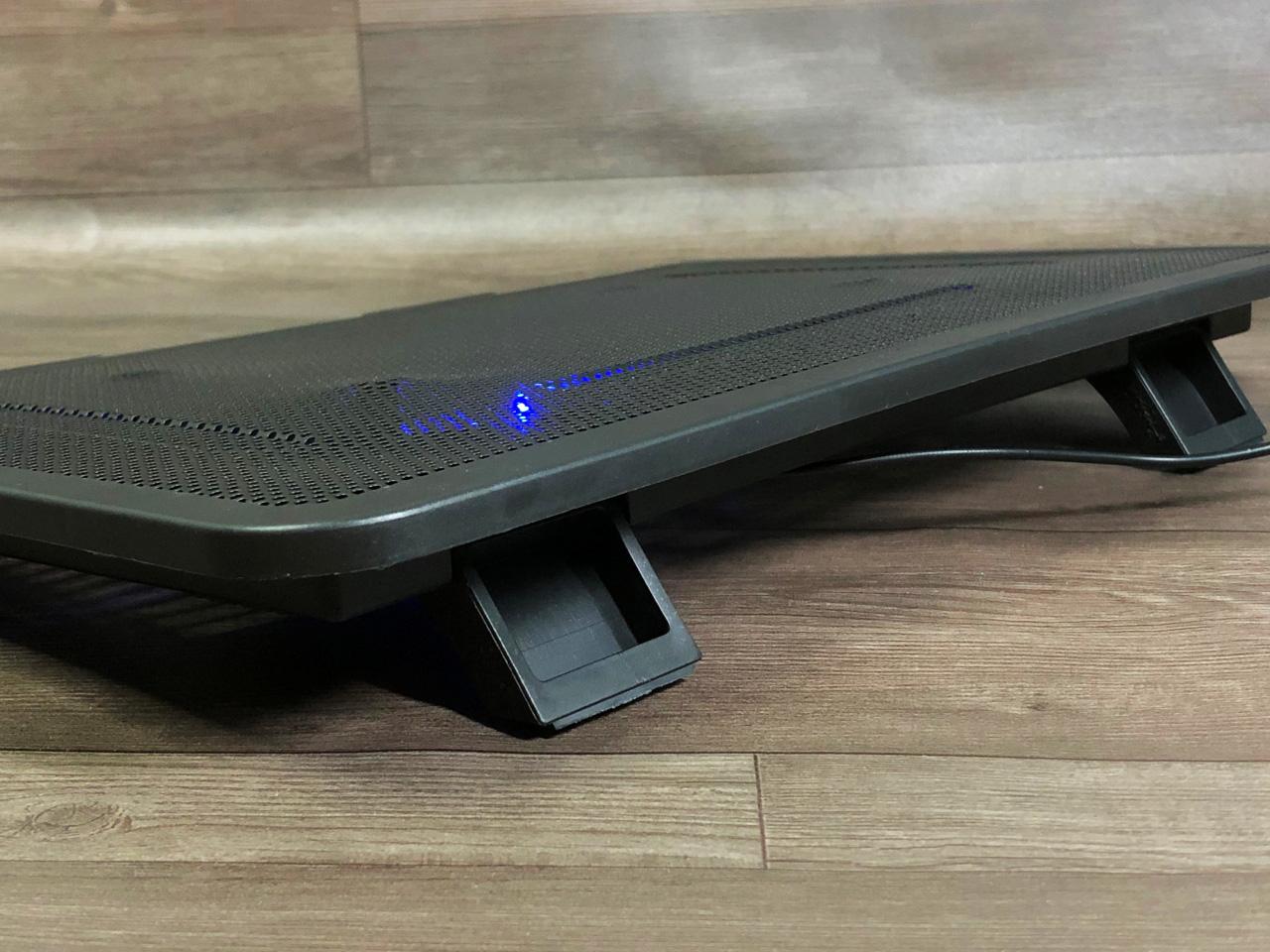 đế tản nhiệt laptop 1 quạt lớn