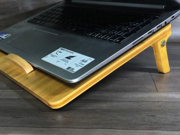 giá đỡ laptop gỗ linh hoạt