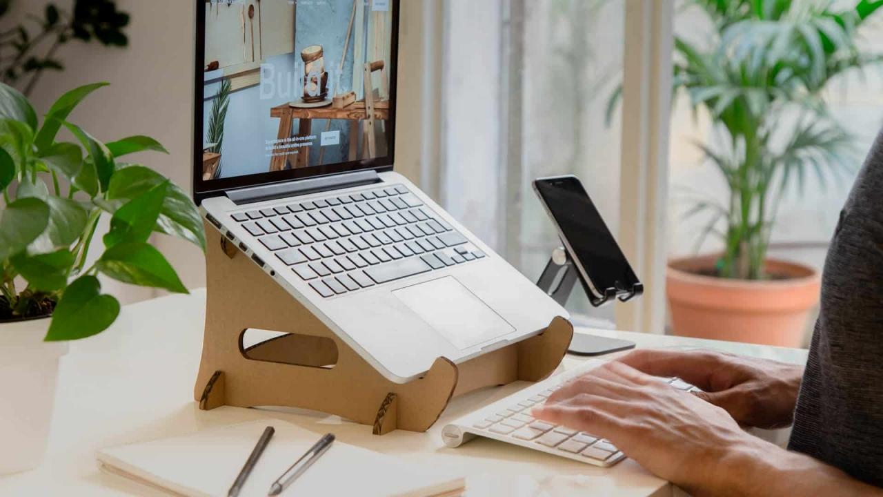 lợi ích của giá đỡ laptop